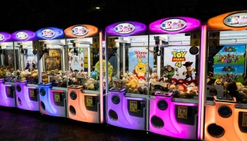 Top 8 Best Mini Claw Machines in 2021 (In-Depth Buying Guide)