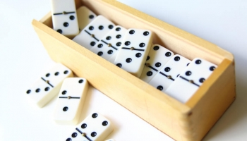 Top 6 Best Domino Sets in 2020